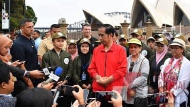 Photo of Ajak Anak Jalan Pagi Dicelah Kunjungan Kerja Presiden Di Australia
