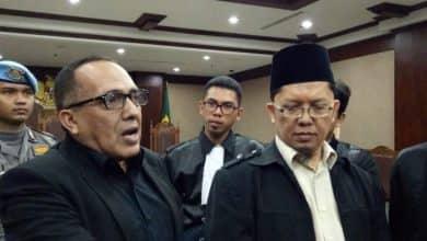 Photo of Alfian Tanjung Dalam Kasusnya Hate Speech Kepada Jokowi, MA Perkuat Vonis 2 Tahun