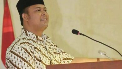 "Photo of Wakil Ketua DPRD Iman Sutiawan Pimpin Deklarasi ""#2019GantiPresiden"" di Batam"