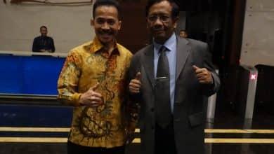 Photo of Kasus APKOMINDO Atau Kriminalisasi Soegiharto? Mahfud MD: Buktikan!