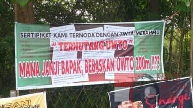 """Photo of Batam Bertabur Spanduk """"Bebaskan UWTO 200 Meter"""" Janji Siapa?"""
